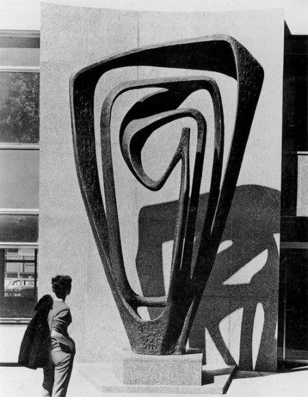 artist: Barbara Hepworth 1958–60