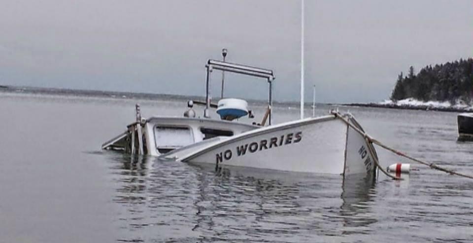 hum - sunk boat No Worries